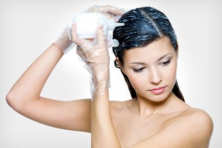 splurge-or-save-should-you-dye-your-own-hair-or-go-to-a-salon ภัยจากน้ำยาเปลี่ยนสีผม