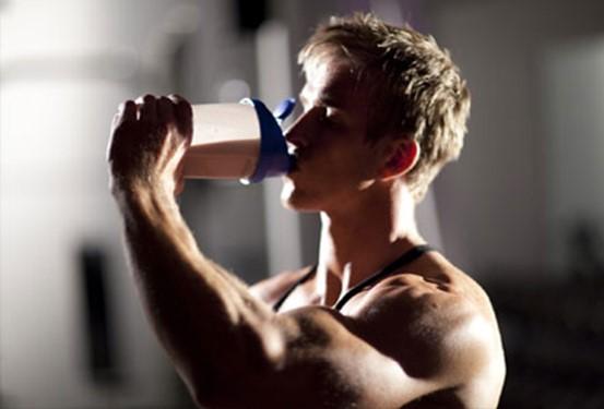 เสริมสร้างกล้ามเนื้อด้วยเวย์โปรตีน