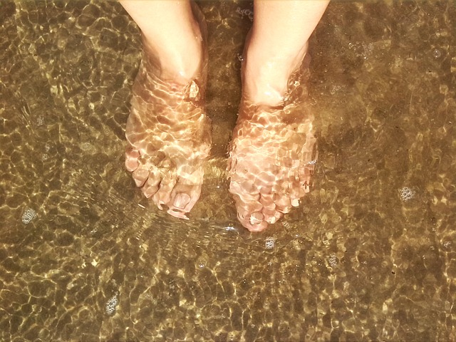 วารีบำบัด แช่เท้าในน้ำร้อน – เย็น - แช่เท้าบ้าง